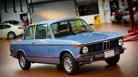 {S}12.{E}04. BMW 2002tii