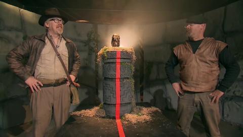 {S}10.{E}02: Indiana Jones Special