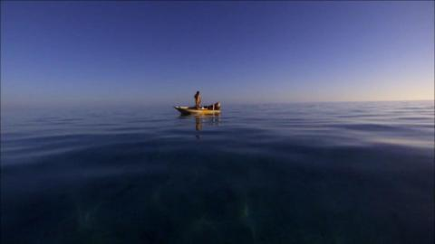{S}02.{E}03: Gefangen im Bermuda-Dreieck