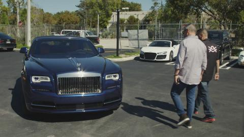 {S}01.{E}07: Rolls-Royce Dawn im Carbon-Look
