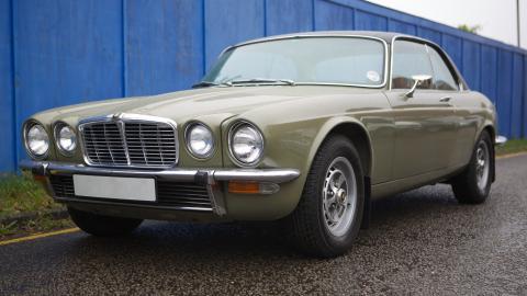{S}11.{E}09: Jaguar XJC