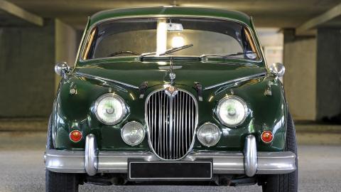 {S}09.{E}09. Jaguar Mark 2