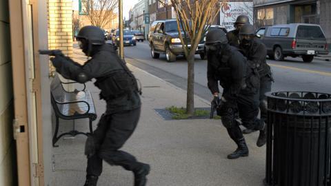 {S}07.{E}10: Crackdown