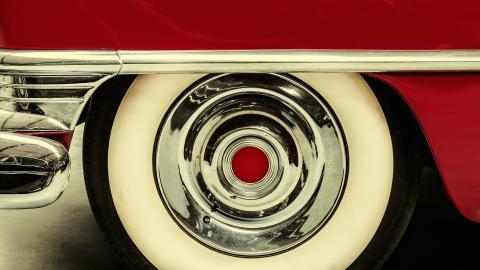 {S}07.{E}17: Studebaker Time Machine!