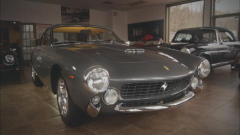 {S}05.{E}03: Scottsdale, Gullwing and Lusso