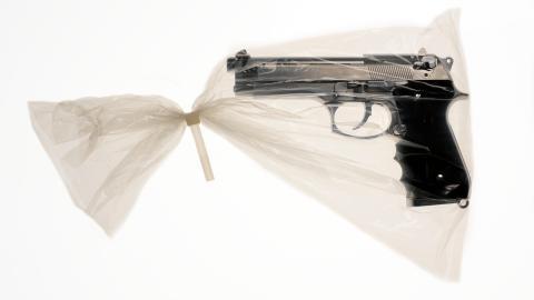 {S}07.{E}17: Sniper at Home