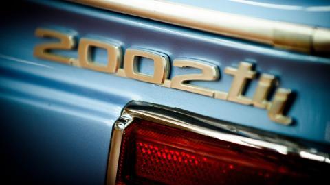{S}12.{E}04: BMW 2002tii - California