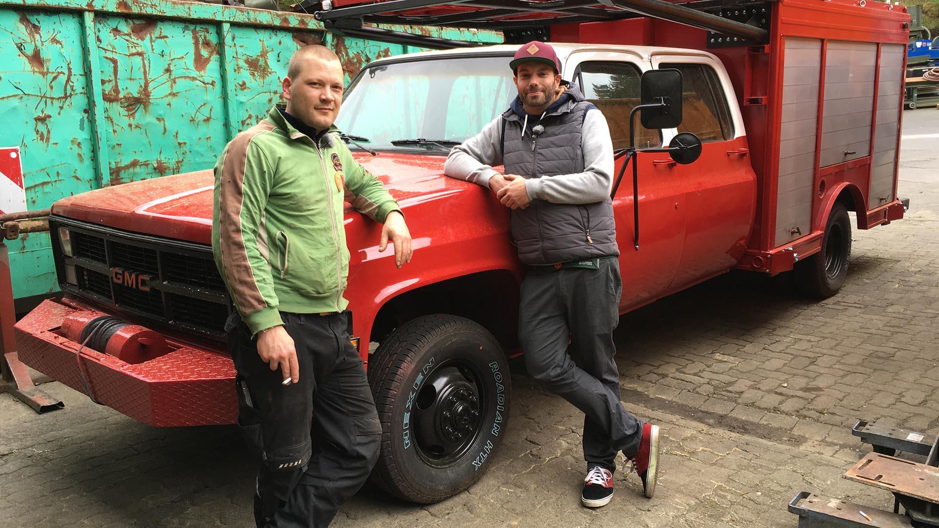 steel buddies s06 f03 der feuerrote party truck. Black Bedroom Furniture Sets. Home Design Ideas