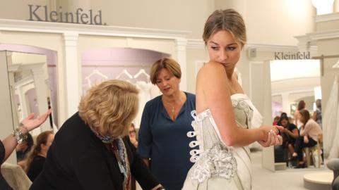 {S}14.{E}03. I Am A Bride On A Budget