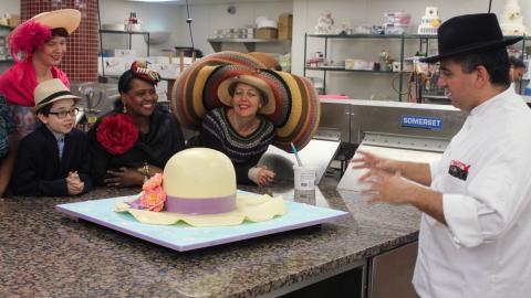 {S}07.{E}07: Hats, Hamantaschen and Head Baker