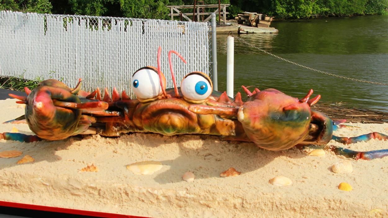 {S}07.{E}17: Crabs, Communion, and a Comeback Pastry