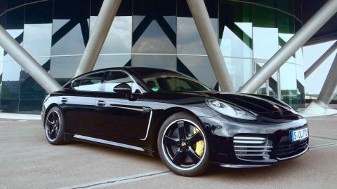{S}03.{E}03. Porsche Panamera
