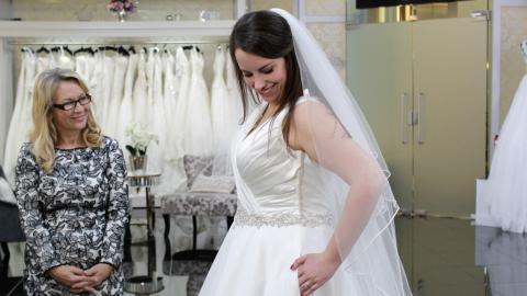 {S}02.{E}14: Bridal Besties