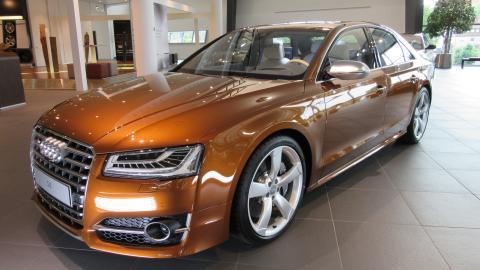 {S}03.{E}06. Audi S8