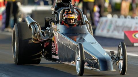 {S}01.{E}03: Drag Racing