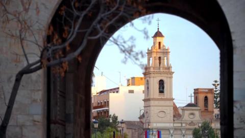 {S}24.{E}11: Folge dem Rhythmus nach Valencia