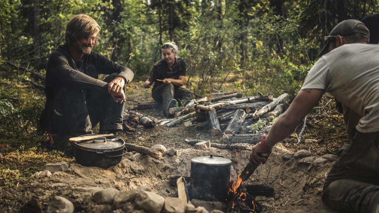 Goldrausch am Yukon: Essen am Lagerfeuer