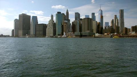 {S}01.{E}02: New York