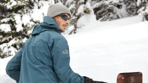 {S}01.{E}01: Avalanche