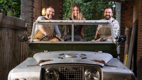 {E}03: Slammed Land Rover