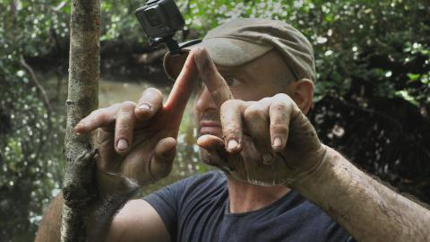 {S}01.{E}01: Borneo: Ed vs. Aldo Kane
