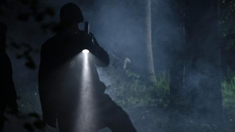 {S}03.{E}02: The Undertaker