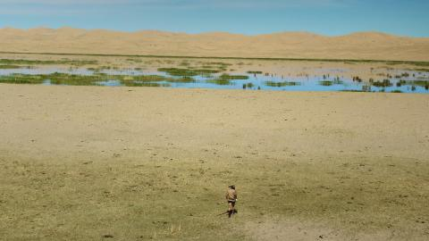 {S}01.{E}03: Mongolei: Ed vs. Matt Graham