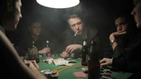 {S}03.{E}03: Casino
