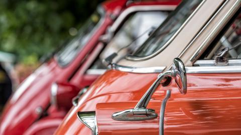 {S}06.{E}03: Micro Cars