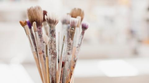 {S}25.{E}07: Artist Brushes, DEF Tank Heaters