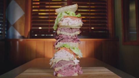 {S}03.{E}08. Die Hochhaus-Sandwich-Challenge