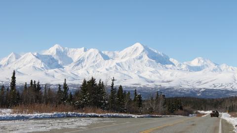 {S}01.{E}05. Alaska Range