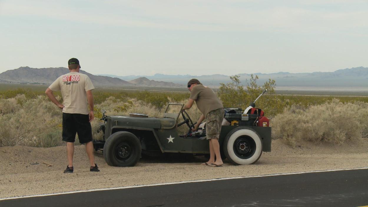 {S}02.{E}03: Mit dem Jeep in die Wüste