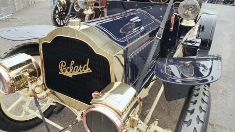 {E}08: Ein neues Outfit für den Packard