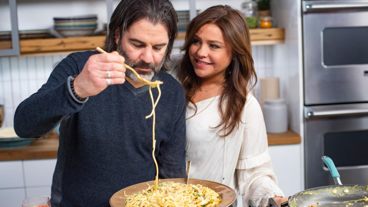 {S}28.{E}13: There's No Crying In Carbonara!