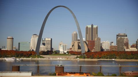 {E}08: St. Louis