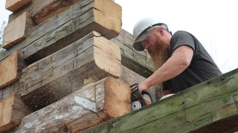 {E}09: Barn Beam Log Cabin Experiment