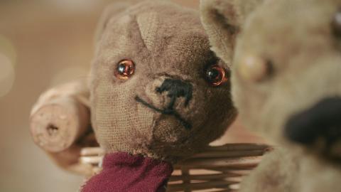 {S}02.{E}12: Zwei Teddys