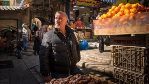 {S}02.{E}09. Jerusalem
