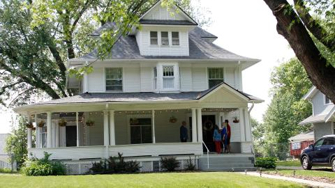 {S}02.{E}12. Neues Haus in Nebraska
