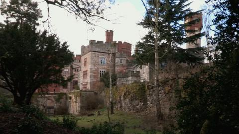 {S}08.{E}06. Ruthin Castle Part 2