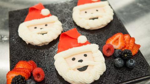 {E}07: Crafty Christmas