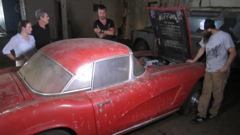 {E}03: Chopped Cabriolet And 'Vette Rescue