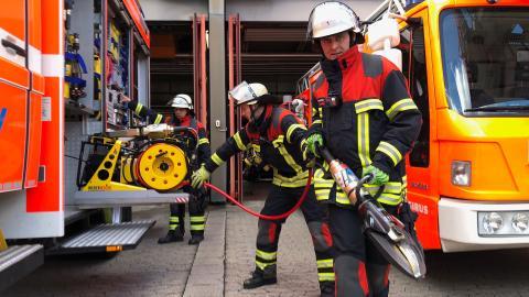 {E}11: Die Lokomotive brennt!