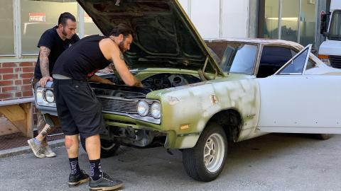 {S}02.{E}08. 69er Dodge Coronet