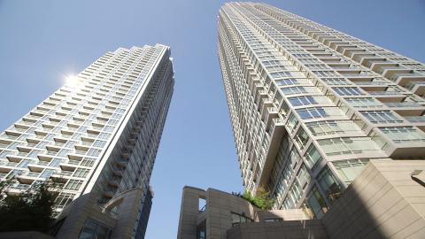 {E}02: Midtown Residence Toronto