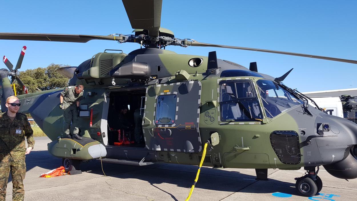 Militär-Helikopter
