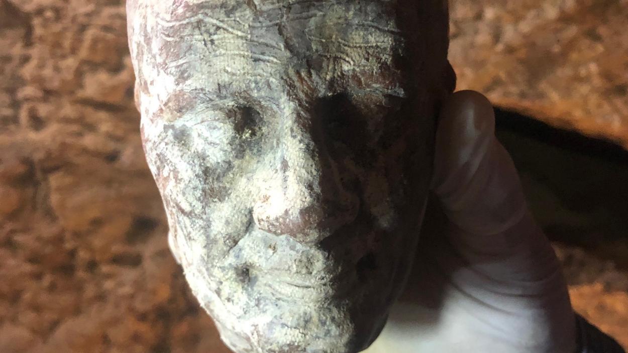 Egypt Live: Wachs-Kopf
