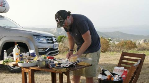 Trailer: Caravaning & Cooking: Brian auf großer Tour
