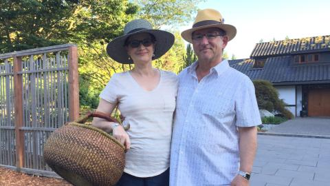 {E}06: Couple Moves To Vashon Island